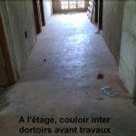 A l'étage, couloir inter dortoir